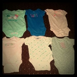 6 girls onesies size NB